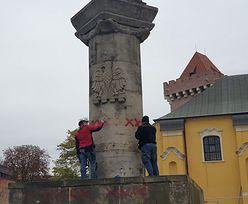 Strajk kobiet. Kibice Lecha czyścili pomnik. Przekazali ważny apel
