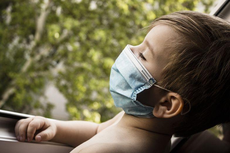 Koronawirus. Czy dzieci powinny nosić maseczki? Jasne stanowisko WHO