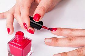 Czerwone paznokcie – trend, paznokcie hybrydowe krok po kroku, Semilac, Indigo Nails