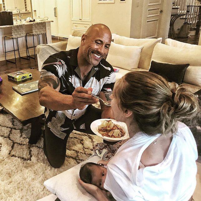The Rock karmi swoją partnerkę Lauren Hashian