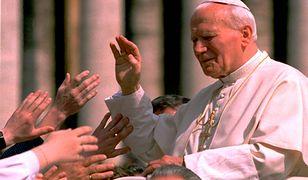 """Ks. Lemański mówi o """"karygodnym"""" ruchu Jana Pawła II. Ale nie widzi tuszowania nadużyć seksualnych"""