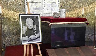 Pogrzeb Tomasza Knapika. Tak żegnano najsłynniejszy głos w Polsce