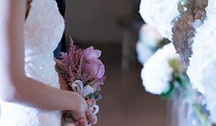 Ada dostała zaproszenie na wesele. Zaskoczył ją wierszyk z prośbą o pieniądze