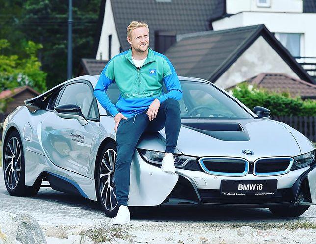 BMW i8 przyspiesza do setki w 4.4 sekundy