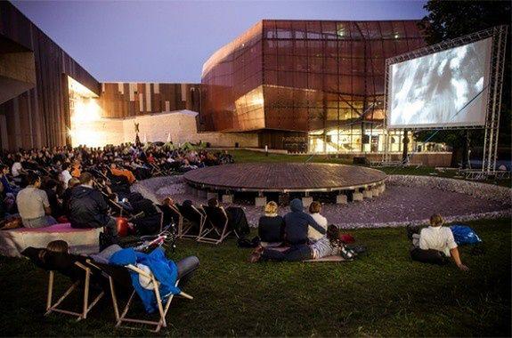 Rusza plenerowe kino letnie w Centrum Nauki Kopernik