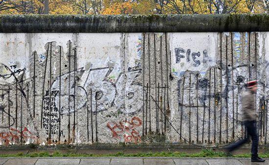 Mija 19 lat od upadku muru berlińskiego