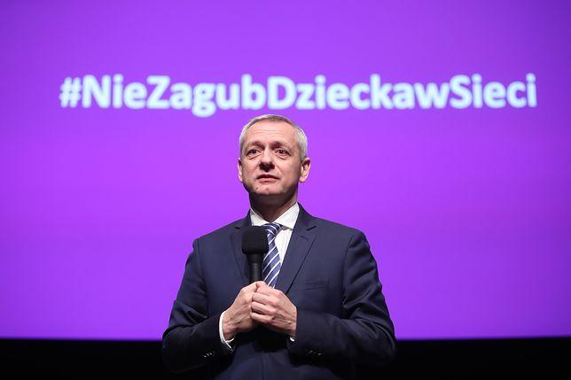 Minister cyfryzacji Marek Zagórski chce chronić nieletnich przed pornografią. Ale jego sposób budzi kontrowersje