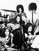 "Cover ""Bohemian Rhapsody"" w ""Synach anarchii"""