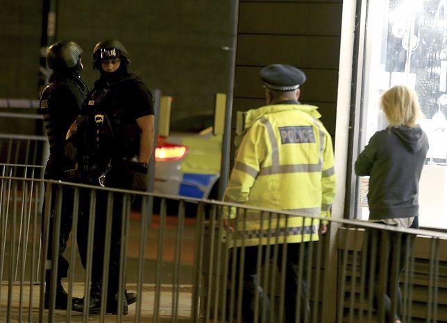 Patrol policji w pobliżu Manchester Arena