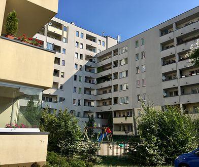 """W budynku przy ul. Piaskowej 9 popełniono """"poważne błędy projektowe"""""""