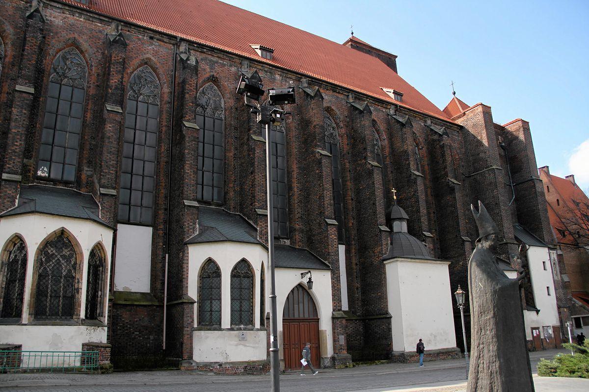 Wrocław. Nożownik zaatakował księdza przed kościołem