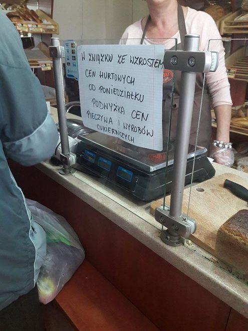 """Taką informację przeczytali klienci sieci piekarni """"Grzybki"""" w Warszawie"""