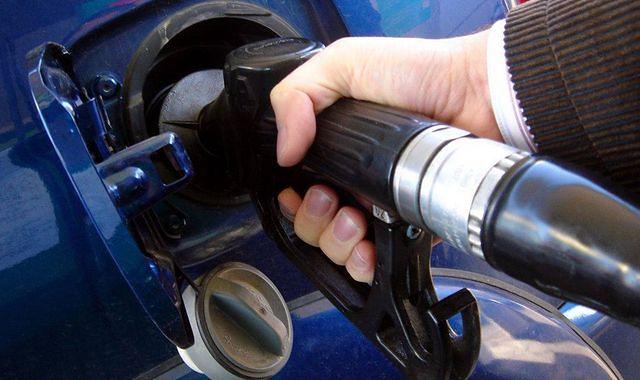 Tanieją paliwa. Litr ON za mniej niż 4 zł