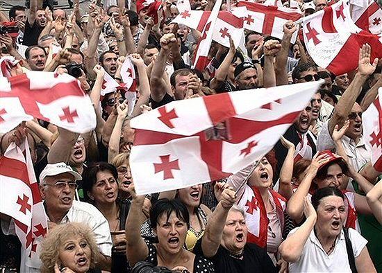 150 tys. osób na wiecu poparcia dla Saakaszwilego