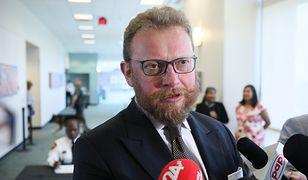 Minister zdrowia Łukasz Szumowski zapewnił, że chorzy na EB otrzymają to, co jest im potrzebne