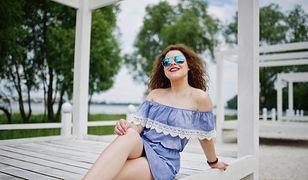 Sukienki z falbanami to must-have sezonu wiosna-lato