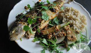 Orientalny sposób na pstrąga. Pyszna ryba prosto z patelni