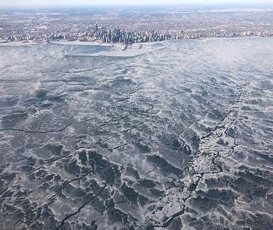 USA: USA: fala mrozów w Stanach Zjednoczonych, na zdj. Jezioro Michigan