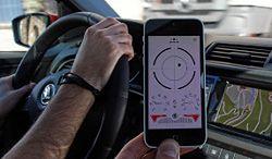 Używanie aplikacji podczas jazdy jest niebezpieczne