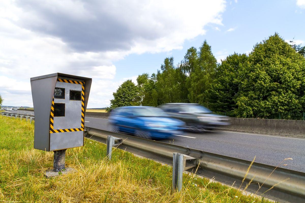 Polscy kierowcy łamią przepisy w całej UE. Udaje im się uniknąć co trzeciego mandatu