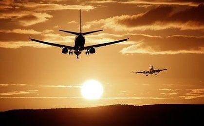 Koniec tanich lotów? Ceny paliw zwiększą koszty przewoźników, co odbije się na podróżnych
