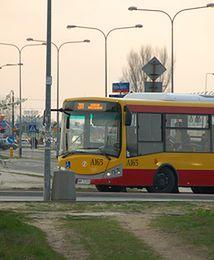 26 proc. pracowników wyklucza dojazd na Służewiec komunikacją miejską