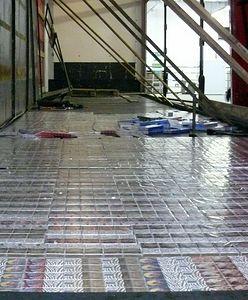 Nieudany przemyt. Próbowali przewieźć przez granicę 1,6 tys. paczek papierosów