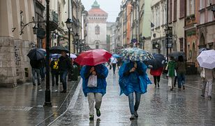 Intensywne opady deszczu w centrum i na południu Polski. IMGW ostrzega