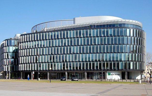 10.  Metropolitan – Warszawa