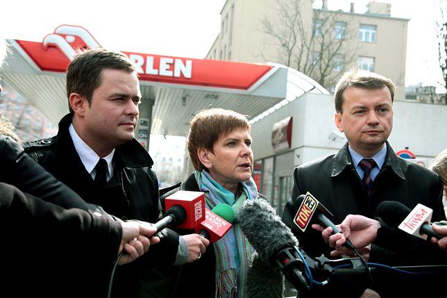 Politycy PiS na stacji benzynowej