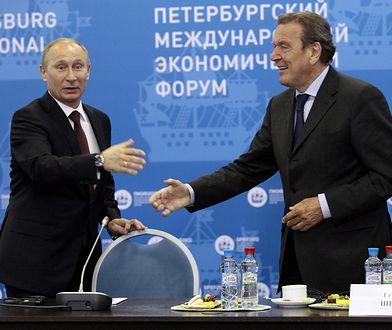 Prezydent Rosji Władimir Putin oraz były kanclerz Niemiec Gerhard Schroeder (zdj. arch.)