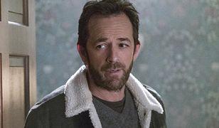 """Luke Perry zagrał w serialu """"Riverdale"""" ojca głównego bohatera"""