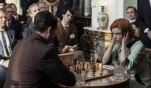 """Ten serial o szachach z Dorocińskim. Czy warto obejrzeć """"Gambit królowej""""?"""