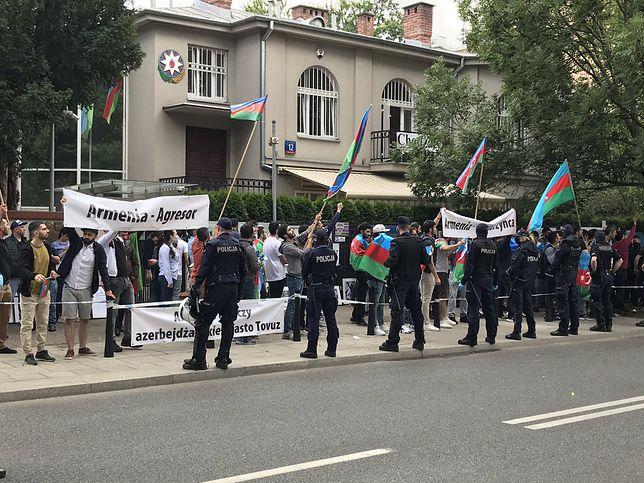 Warszawa. Pod ambasadą Azerbejdżanu odbył się protest