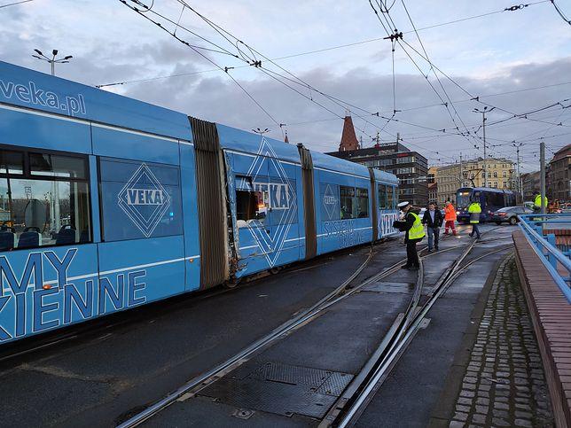Przy placu Jana Pawła II zderzyły się tramwaje. Do wypadku doszło po godzinie 17:00