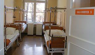 Koronawirus we Wrocławiu. Chirurg ze szpitala na ul. Koszarowej jest w ciężkim stanie