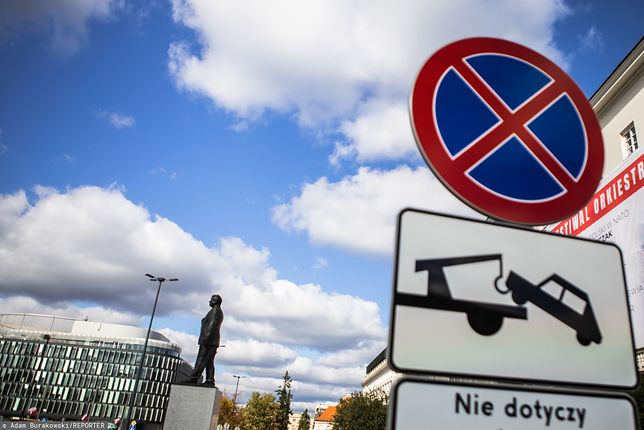 """Warszawa. """"Zabierzcie pojazdy inaczej będziemy musieli zrobić to my"""""""