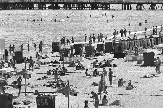Wczasowicze na plaży w Sopocie, fot.: Miroslaw Stankiewicz/Afa Pixx