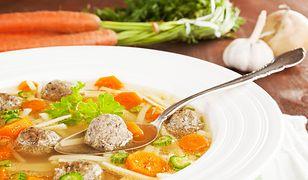 Rozgrzewające i pożywne zupy. Pomogą rozprawić się z chorobą