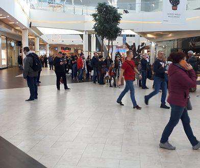We wrocławskiej galerii handlowej Magnolia Park w piątkowe przedpołudnie pojawiły się tysiące wrocławian