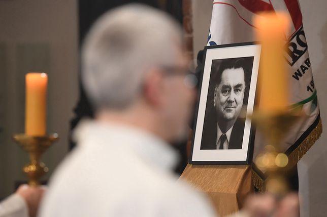 Warszawa.  Msza święta w pierwszą rocznicę śmierci premiera Jana Olszewskiego w warszawskiej Archikatedrze św. Jana Chrzciciela, 7.02.2020