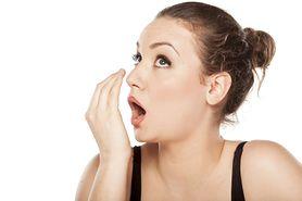 25 przyczyn nieprzyjemnego zapachu z ust. Znałeś je wszystkie?