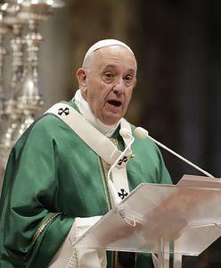 """Głos z Watykanu. """"Kościół zbyt długo nie słuchał ofiar"""""""