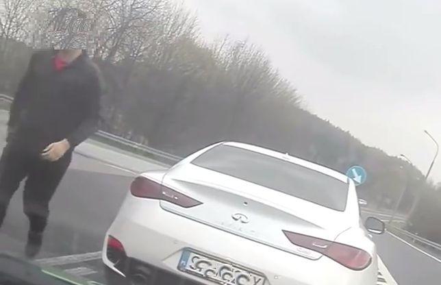 #dziejesiewmoto: atak agresora na innego kierowcę, pożar Audi R8 w Warszawie i wypadek Ferrari
