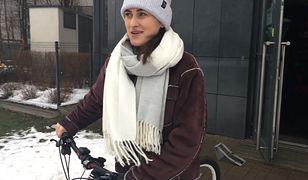 Jazda rowerem zimą. Testujemy go na oblodzonym chodniku