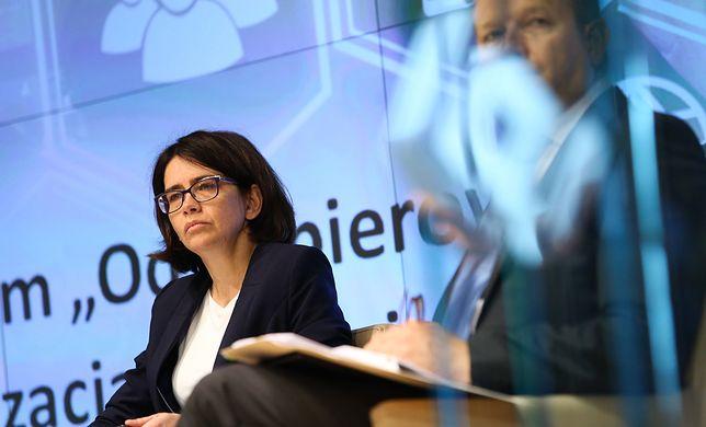 Wypowiedzi samej Anny Streżyńskiej nie ułatwiają zrozumienia przyczyn jej odwołania z rządu