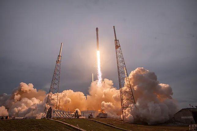 Elon Musk może świętować udany start statku Starhopper