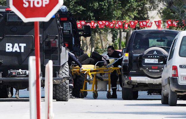 Ośmiu rannych w zamachu w Tunezji Polaków wraca do kraju. W szpitalu zostaje dwoje najciężej rannych