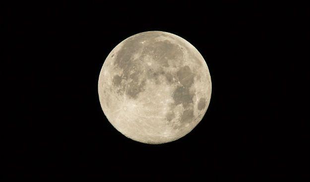 Pochówek na księżycu? Już możliwy
