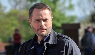 Artur Żmijewski oskarżany o żerowanie na nieszczęściu sąsiadki. Może stracić ogromne pieniądze